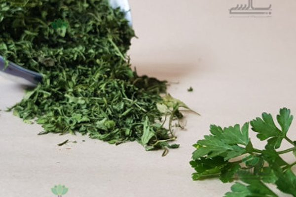 Dried_parsley